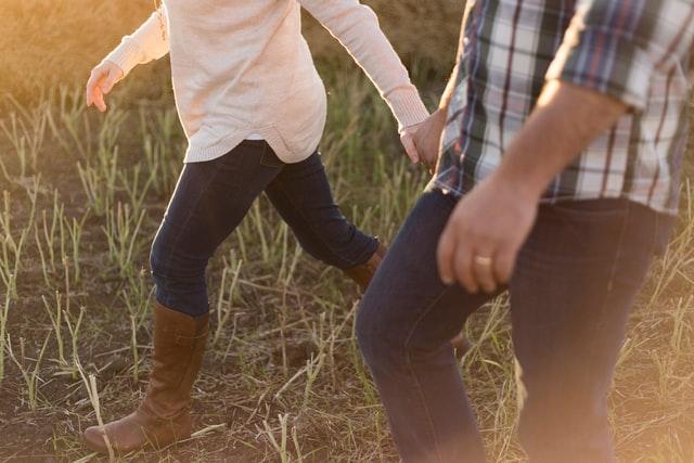 焦って結婚で後悔する理由・割合は?失敗やスピード離婚の危険性も?