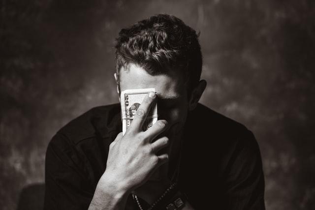 結婚しても経済力で後悔?低収入な男性との結婚は諦めた方が良い?