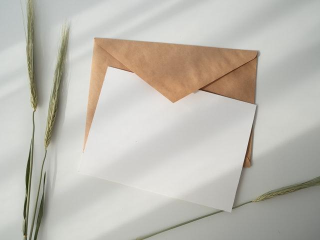 遠距離恋愛中の彼氏に手紙は重い?もらって嬉しい言葉や例文は?