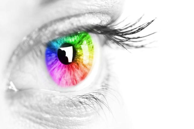 恋愛テクニックやハウツーが溢れるこの時代で「目」が伝えるもの